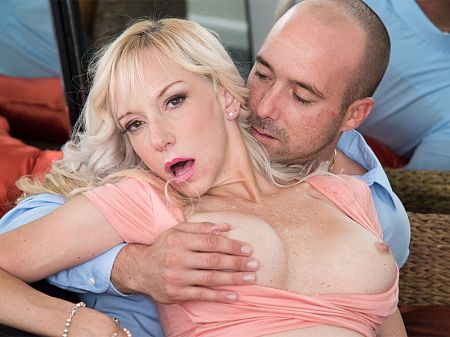 Mirabella Amore - XXX MILF video