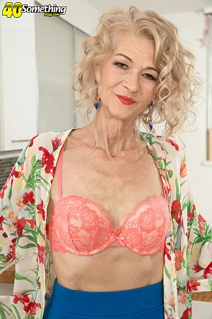 Beata - Solo Granny photos