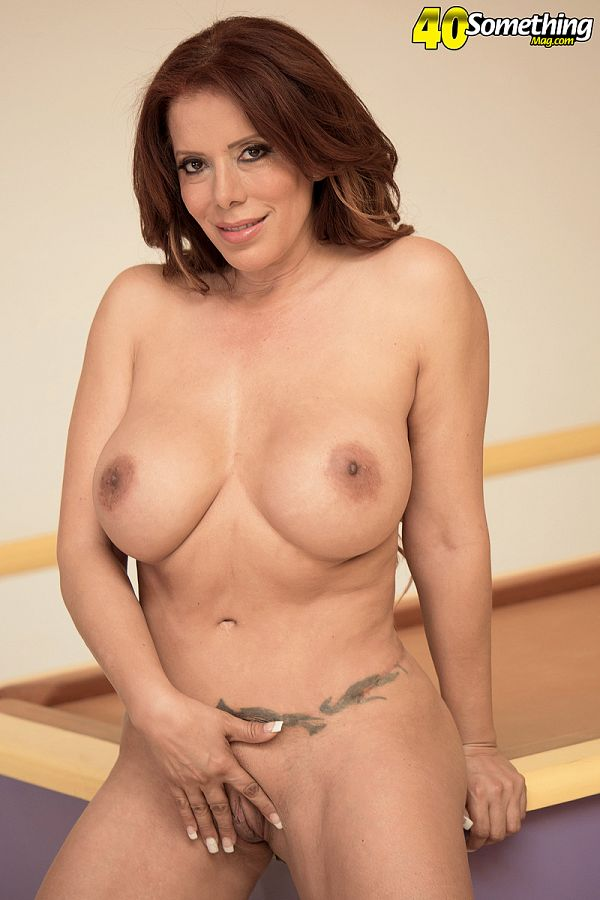 Nicky Ferrari - Solo MILF photos