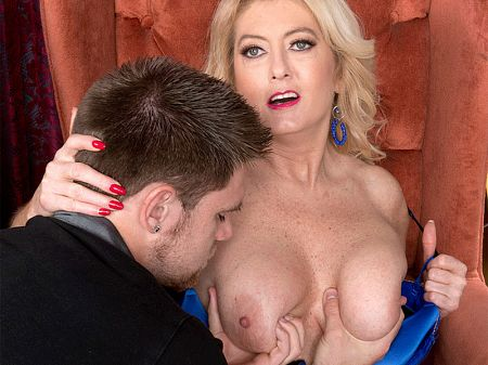 Tahnee Taylor - XXX Big Tits video