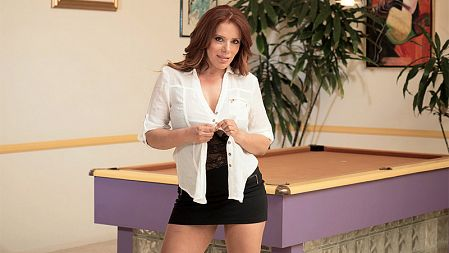 Nicky Ferrari - Solo MILF video