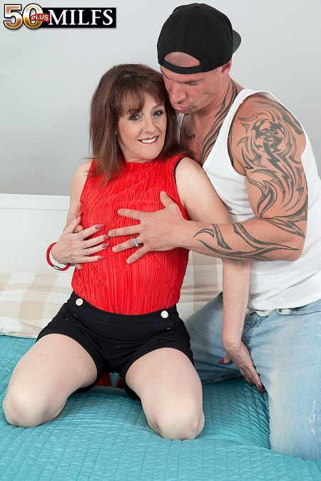 The new British MILF fucks the delivery boy