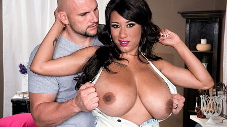 Danni Lynne - XXX Big Tits video