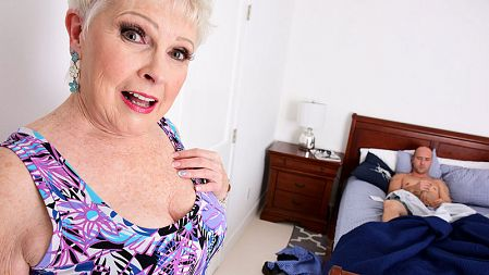 Jewel - XXX MILF video