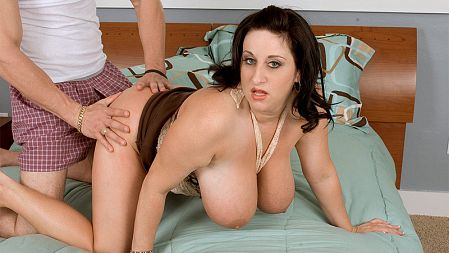 Kitty Lee - XXX Big Tits video