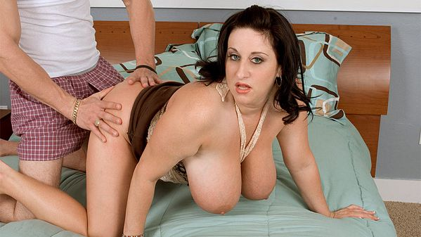 Porn Mega Load – Kitty Lee