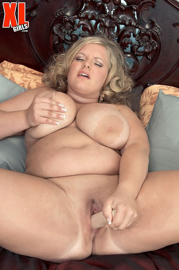 Veronica Vaughn - Solo BBW photos