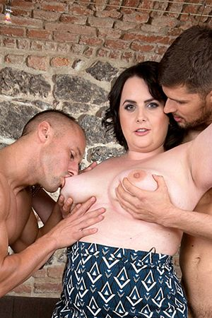 Sarah Jane - XXX BBW photos