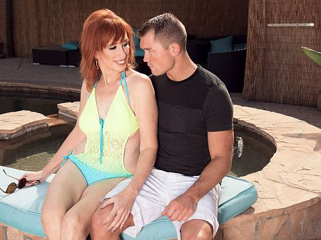 Dray Stone - XXX MILF video