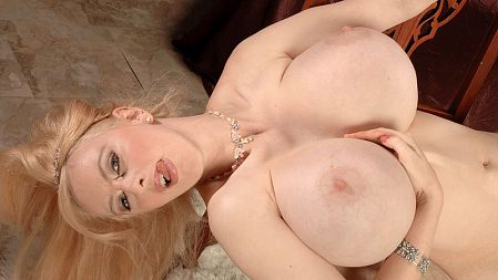 Alena Snow - Solo Big Tits video