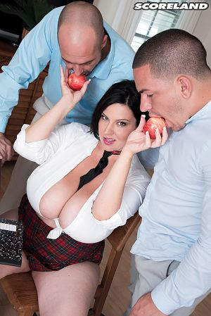 Paige Turner - XXX Big Tits photos