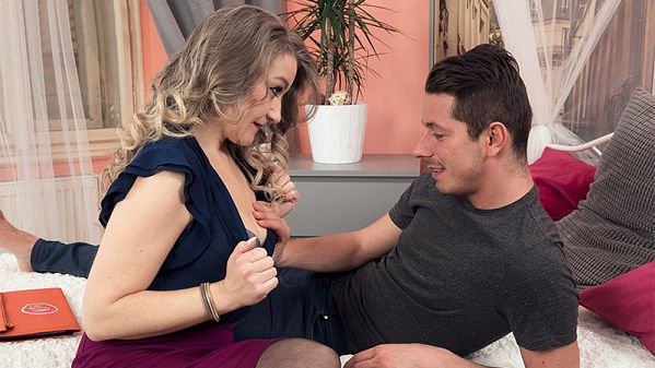 Valerie V. The new MILF gets ass-fucked