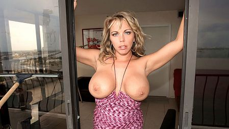 Amber Lynn Bach - Solo Feet video