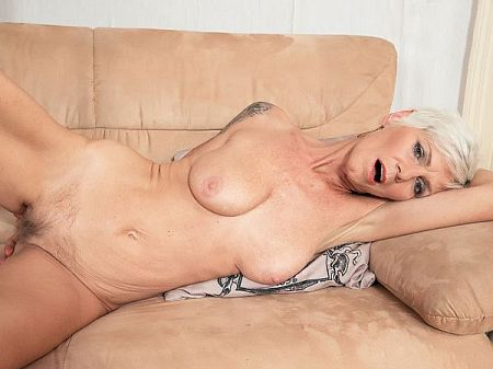 A horny old wife with a great ass