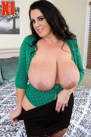 Kat Bailey  - Solo BBW photos