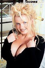Annette christianson: an open girl. Annette Christiansen gets