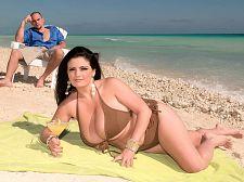 Sex on the beach. Sex On The Beach Arianna Sinn is enjoying a