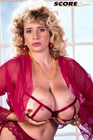 Crystal Topps - Solo Big Tits photos
