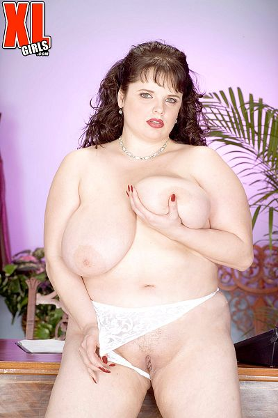 Scarlett Webb - Solo BBW photos