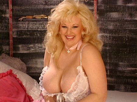 Toni Evans - Solo Big Tits video