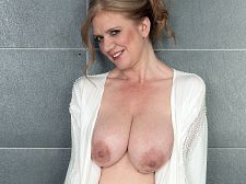 Naturally Big-Boob Cilla receives willing for her date