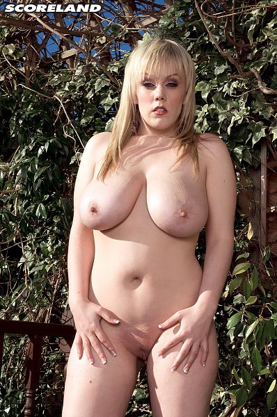 Miss Emma - Solo Big Tits photos