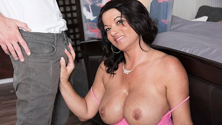 Betty Boobs - XXX MILF video