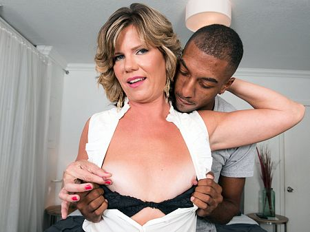 Hannah Grace  - XXX MILF video