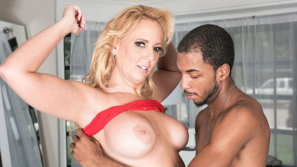 Penelope Star Dirty-talking, anal-loving, BBC-throating Penelope