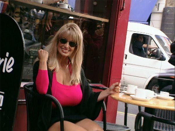 Alexis Love Around London Town
