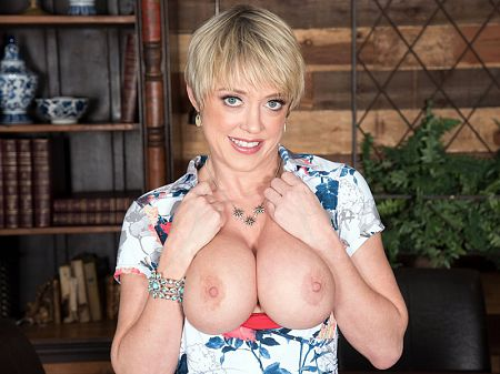 Dee Williams - Solo MILF video