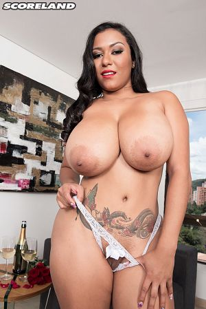 Shanie Gaviria - Solo Big Tits photos