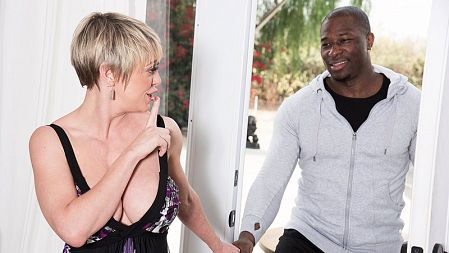 Dee Williams - XXX MILF video