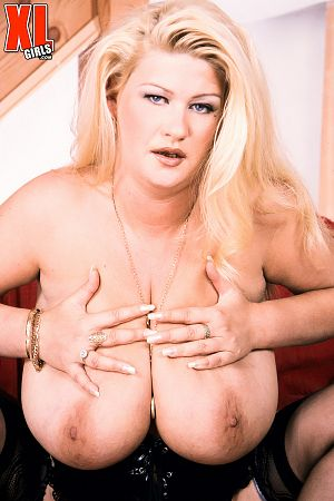 Gaynor - Solo BBW photos