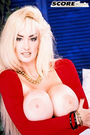 Brittany O'Neil - Solo Big Tits photos