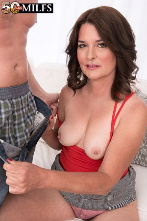 Kelly Scott - XXX MILF photos