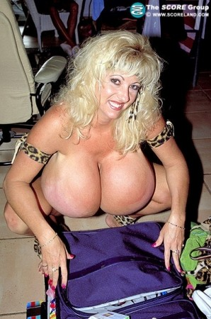 Maxi Mounds - Solo Big Tits photos