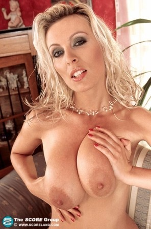 Milly -  Big Tits photos