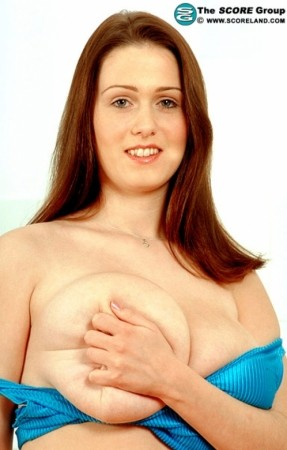 Nicole Peters Voluptuous March 2004
