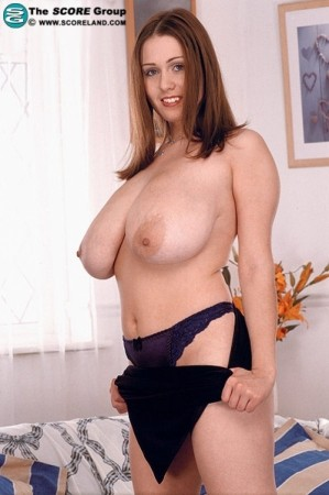 Nicole Peters Voluptuous May 2004