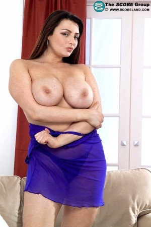 Hannah Callow - Solo Big Tits photos