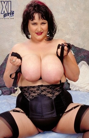Amy Clifford -  BBW photos
