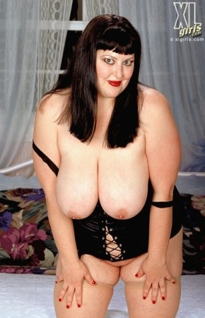 Paige Pin-up -  BBW photos