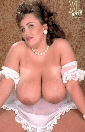 Peaches -  BBW photos