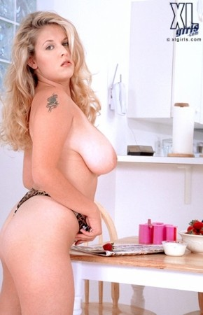 Carrie Lynn -  BBW photos