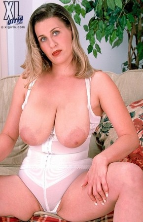 Denise -  Big Tits photos
