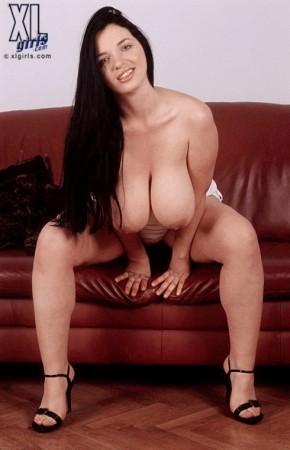 Joana Rubenesque xlgirls.com