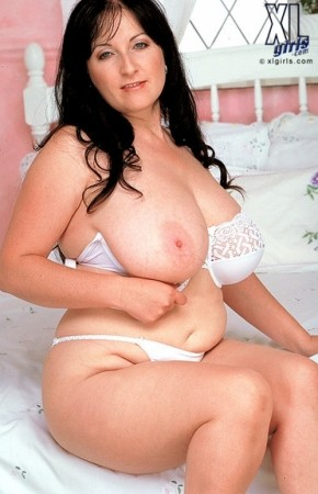 Rachael Kelly -  BBW photos