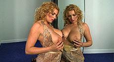 Anna Loren
