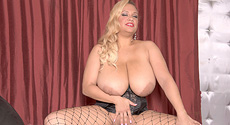 Liza Biggs - Solo Big Tits video screencap #4